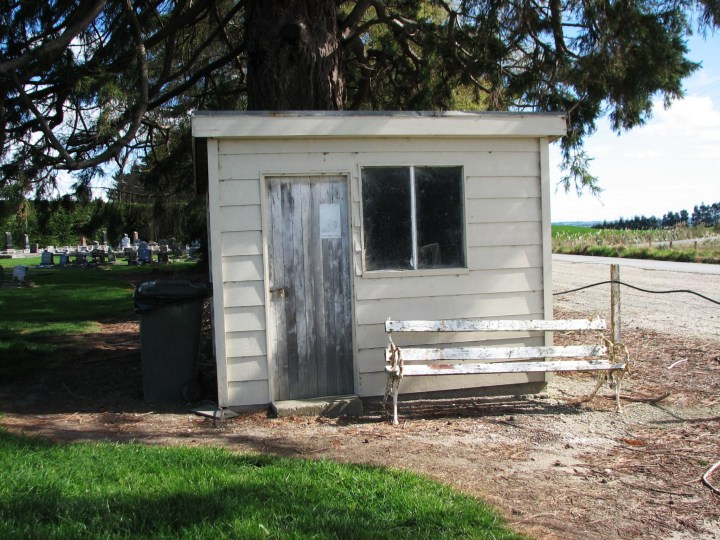 cemetery hut.JPG