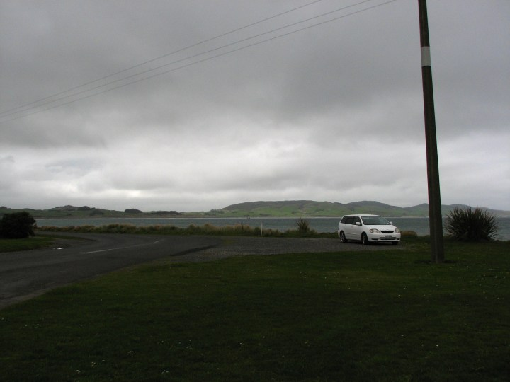 Colac Bay & car