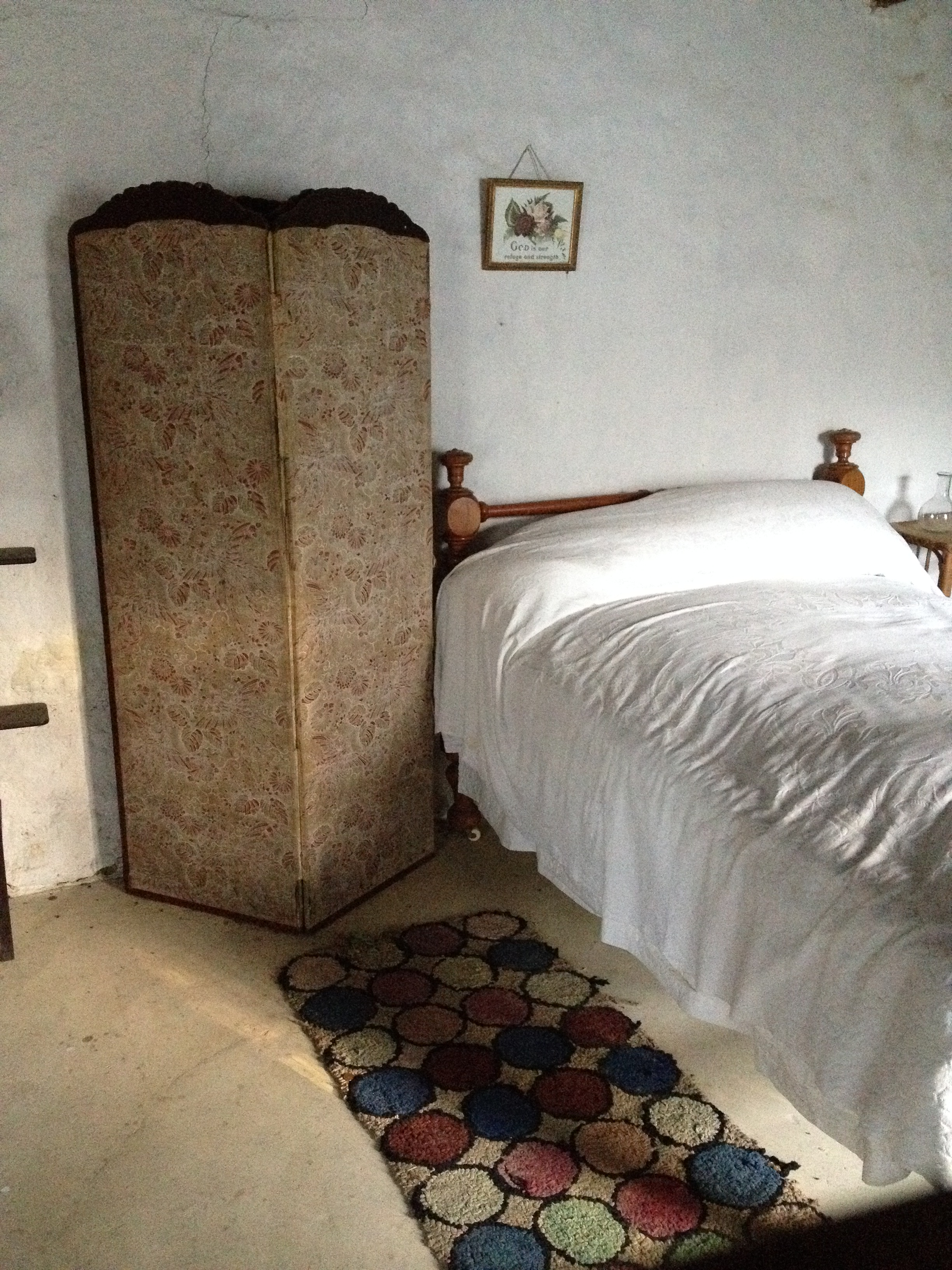 sod cottage bed.JPG