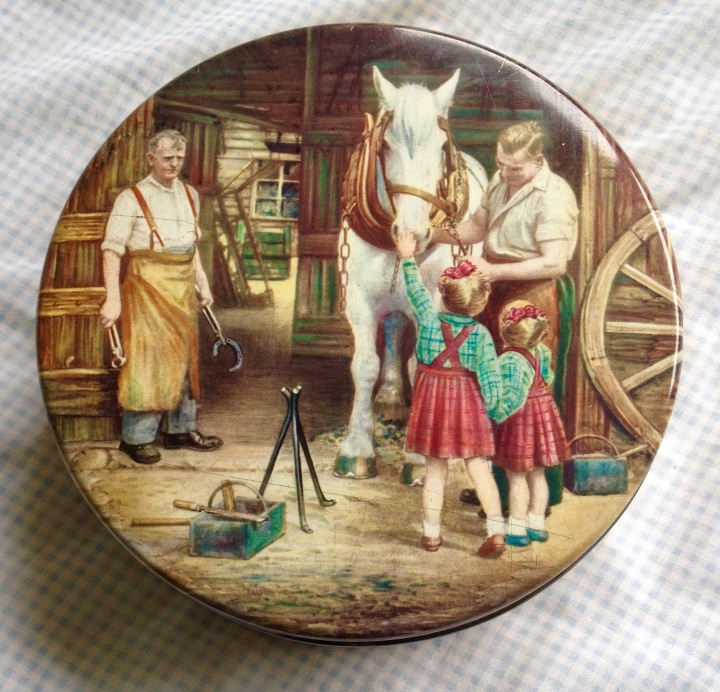 Huntly Palmer tin