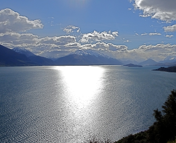 sun light on lake.JPG